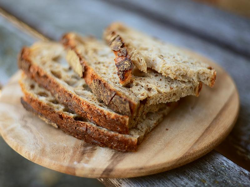 Pão de Trigo Sarraceno, Nozes e Tamaras Medjool